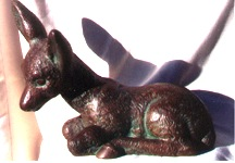 deer sculpture side